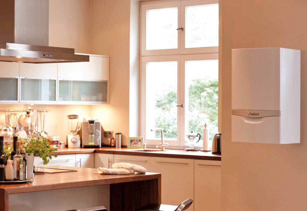 Настенный котел в интерьере кухни