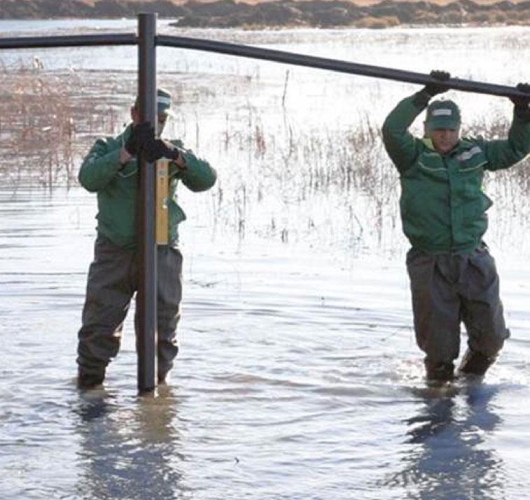 Ручной монтаж в водных условиях