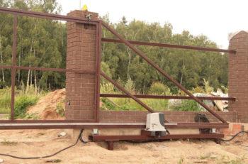 Свайно-винтовой фундамент для откатных ворот